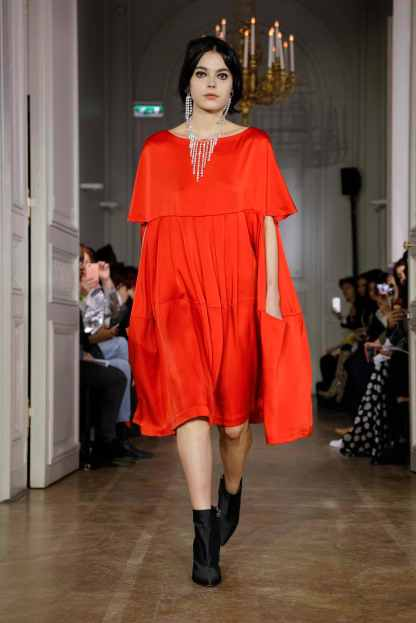 Lutz Huelle Fashion show in Paris Womenswear Collection Fall Winter 2019